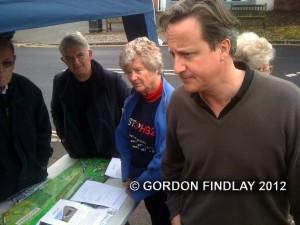David Cameron talks to anti-HS2 protestors in Wendover